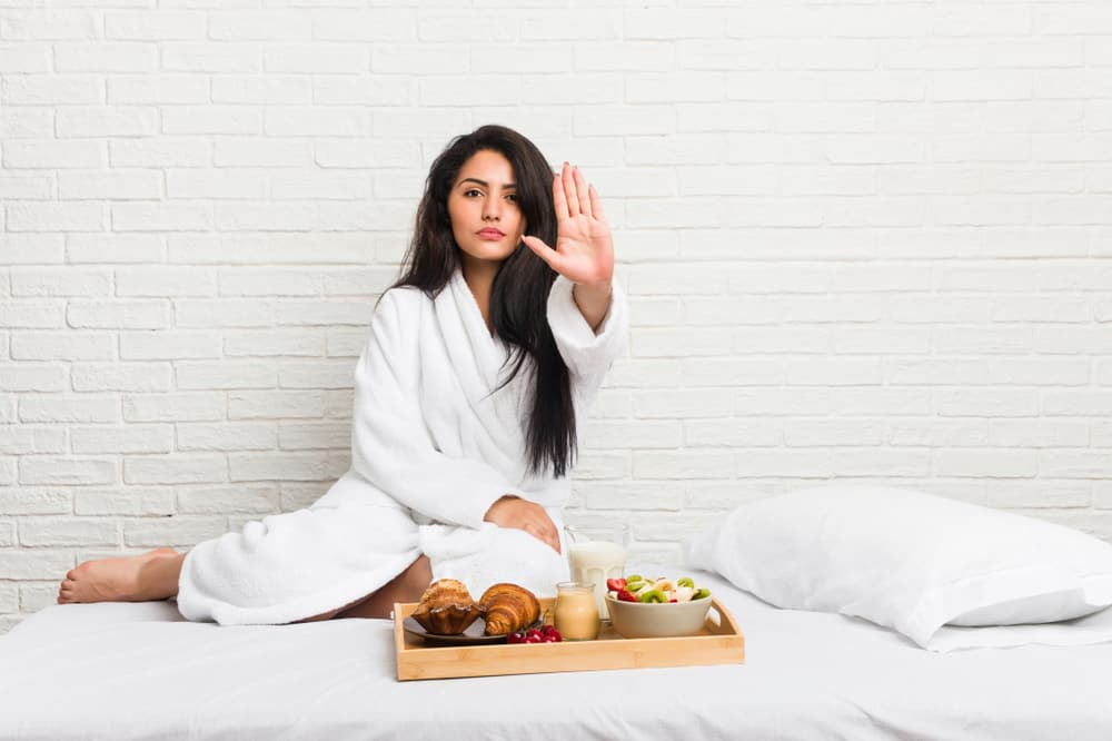 How Long Before Bed Should You Stop Eating