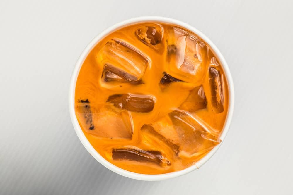 Iced milk tea