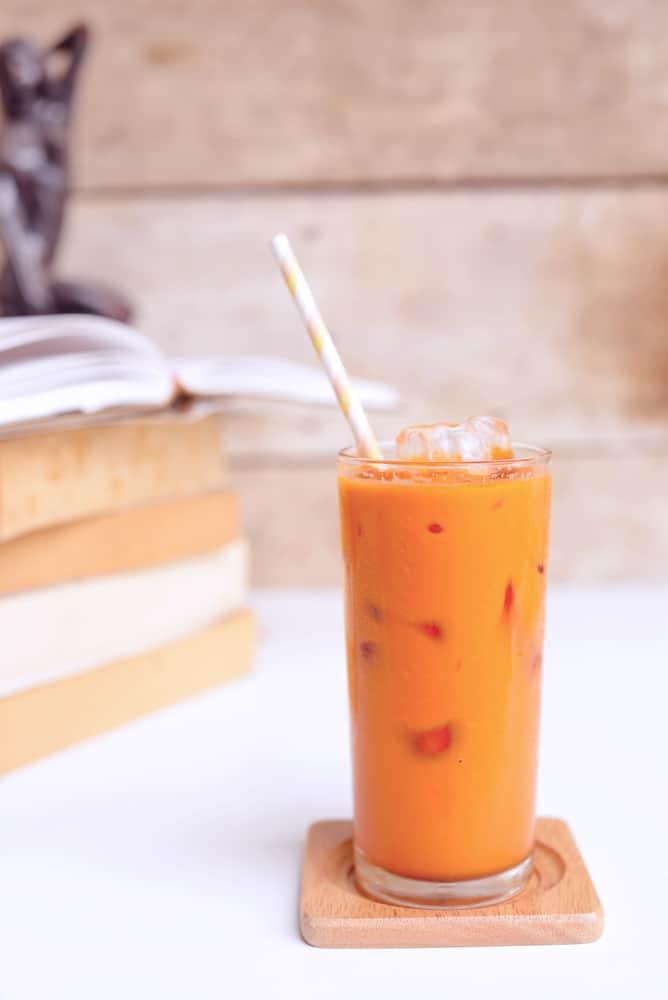 glass of Thai iced tea