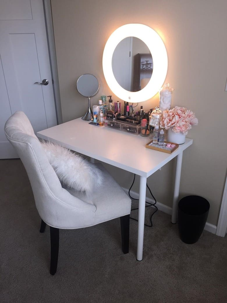 A Mirror with a Diva Ring Light Frame
